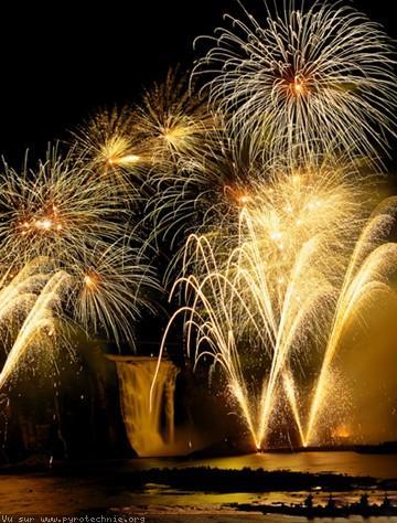 Vidéo du jour Feu-artifice-pyrotechnie-152